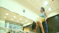 最美瑜伽老师高难度动作堪比杂技